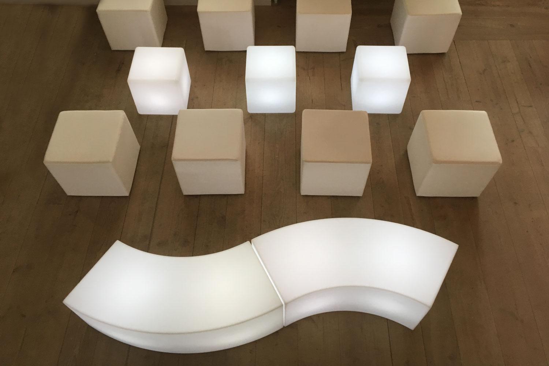 beleuchtete Lounge mieten