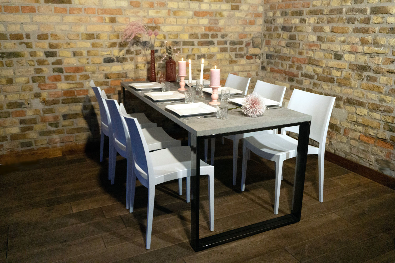 Tische in Betonoptik für Ihre Hochzeit mieten.