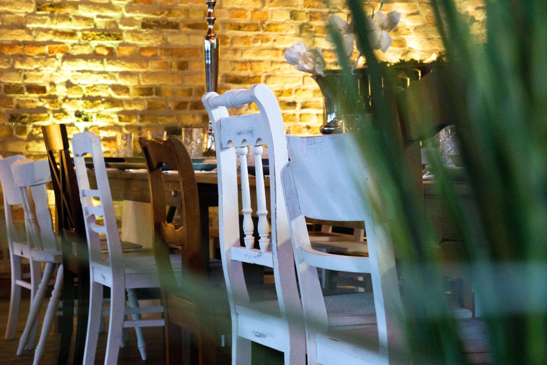 Holzstühle Hochzeit Boho mieten