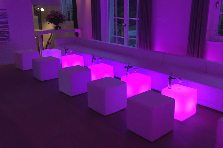 LED Cube Lounge mieten