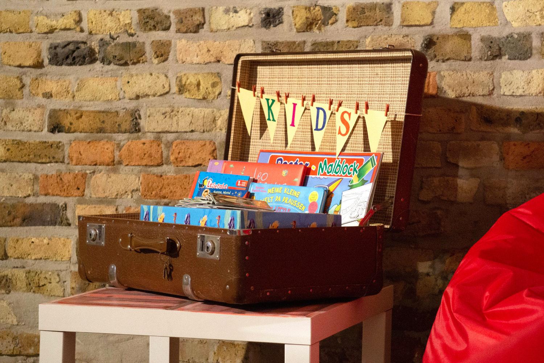 Spielebox Kinder Hochzeit mieten