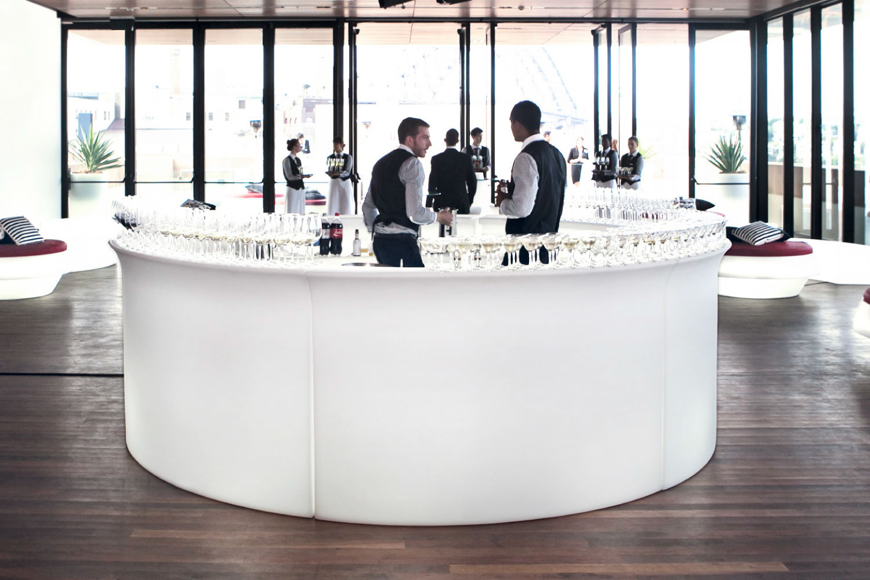 Weiße Bar mieten professionell