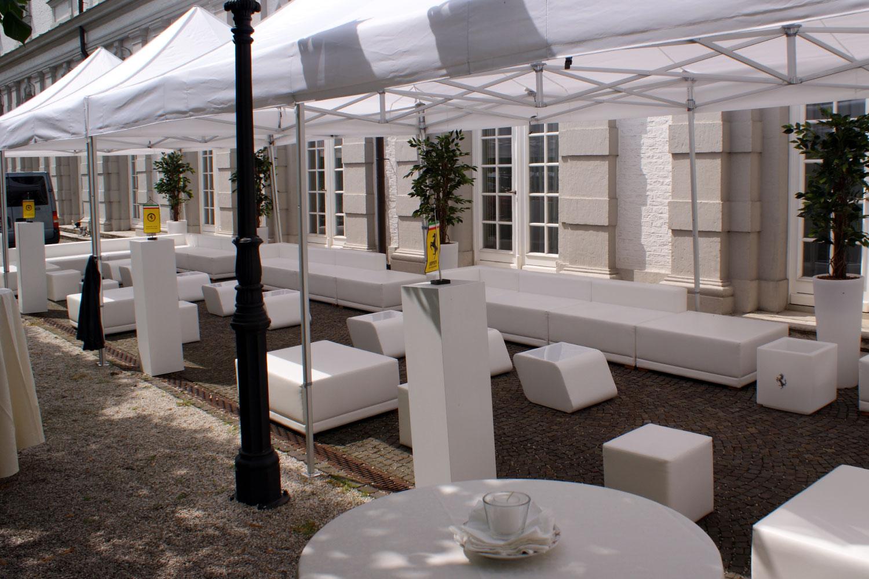 Weiße Lounge Party Hochzeit mieten