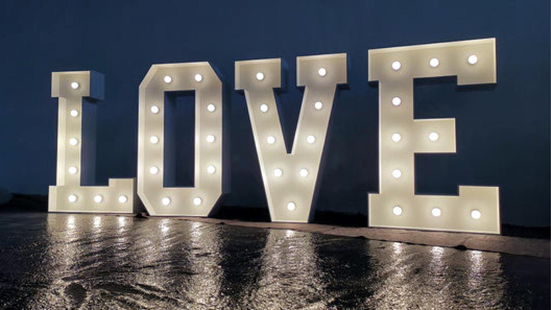 Hochzeit Love Buchstaben mieten
